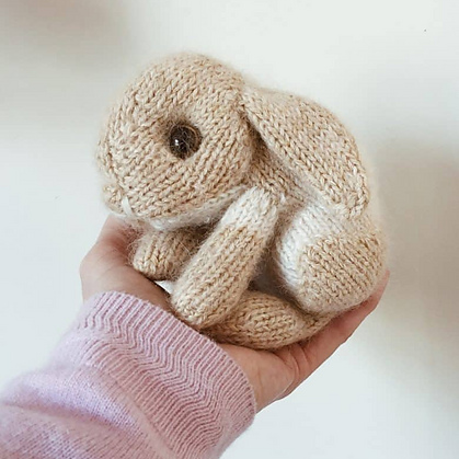 Knitted Easter Bunny by Claire Garland